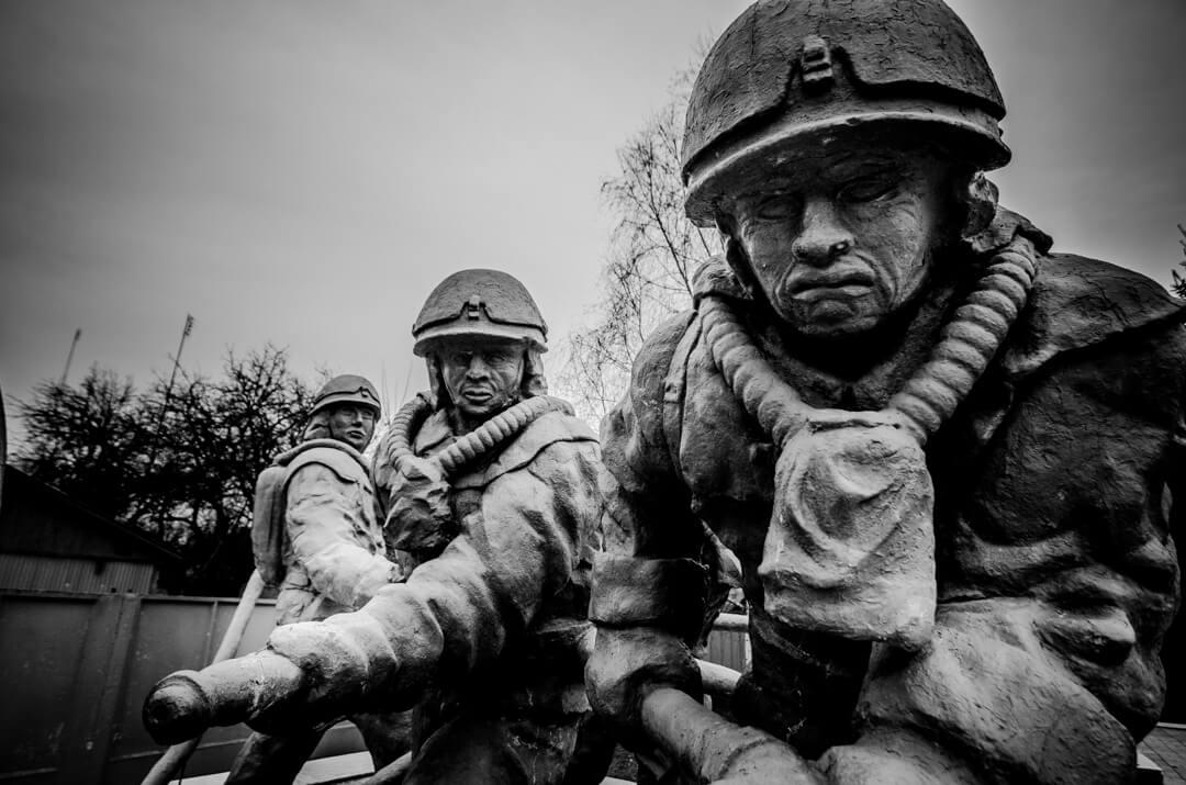 Pomnik strażakow w Czarnobylu